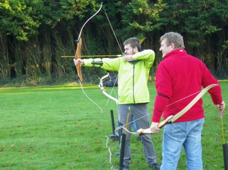 Having a go at archery with Dale - surprisingly zen !!